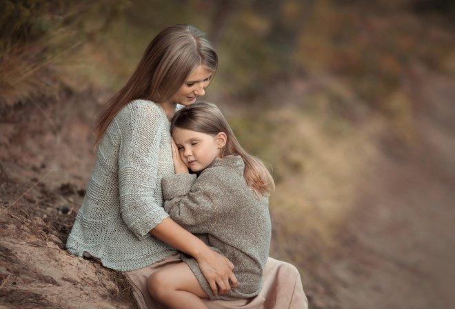 Мать и дочь. Противоречия