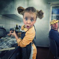 Как распознать насилие, маскирующееся под материнскую любовь